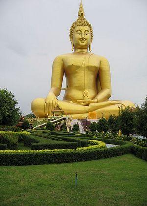 Статуя Будды в Ангтхонге - самые высокие статуи мира