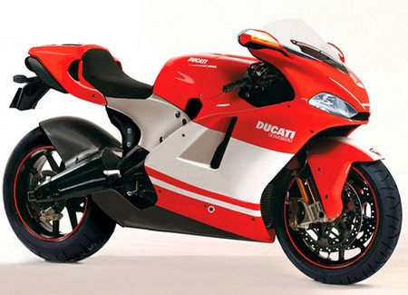 Ducati Desmosedici RR дорогой мотоцикл