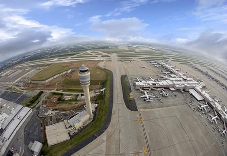 Аэропорт Хартсфилд-Джексон - самый большой аэропорт мира