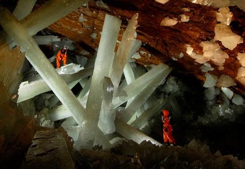 Кристальная пещера гигантов