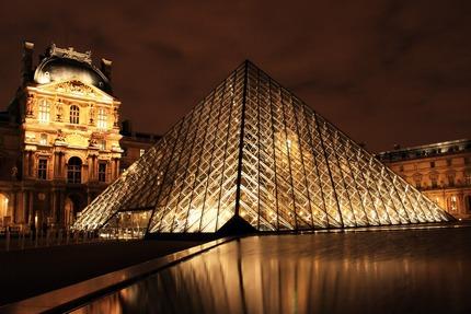 Лувр. Париж - самый известный музей в мире