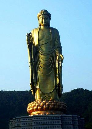 Статуя Будды Вайрочаны - Самая высокая статуя мира